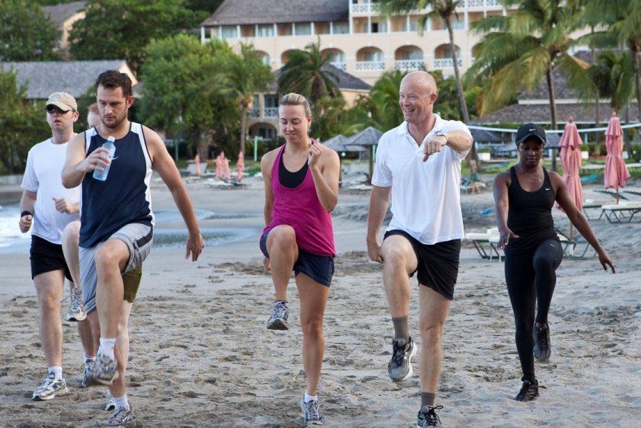 La plage devient un lieu d'entraînement dans certains... (Photo fournie par l'hôtel The Bodyholiday LeSport)