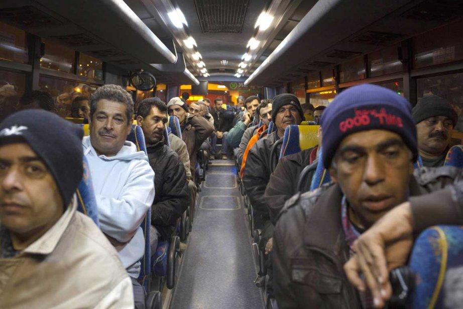 Deux nouvelles lignes d'autobus israéliens destinés à transporter... (PHOTO MENAHEM KAHANA, AFP)