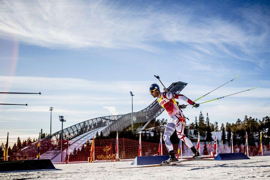 Le Français Martin Fourcade participe à la course masculine de 15 km lors de la Coupe du monde de biathlon à Oslo, en Norvège. | 4 mars 2013