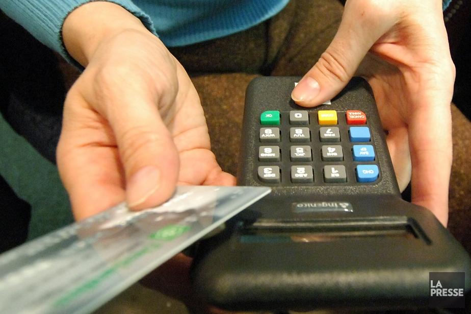 Le nombre de détenteurs de carte qui ont... (Archives, La Tribune)