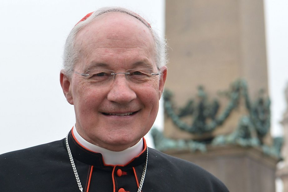 Le cardinal Ouellet lors de son arrivée au... (Photo AFP)