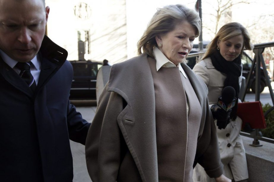 Martha Stewart arrive à laCour suprême de l'État... (Photo Seth Wenig, Associated Press)