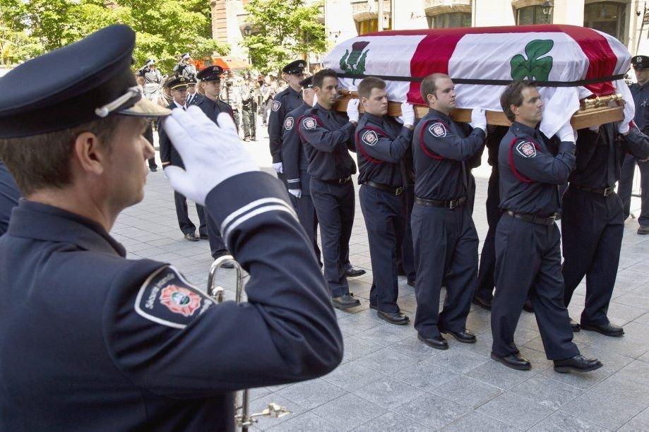 Les funérailles du pompier Thierry Godfrind, mort en... (Photo archives PC)