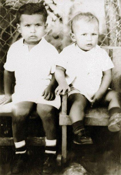 Les frères Hugo Chavez (à droite) et Adam Chavez (à gauche) | 5 mars 2013