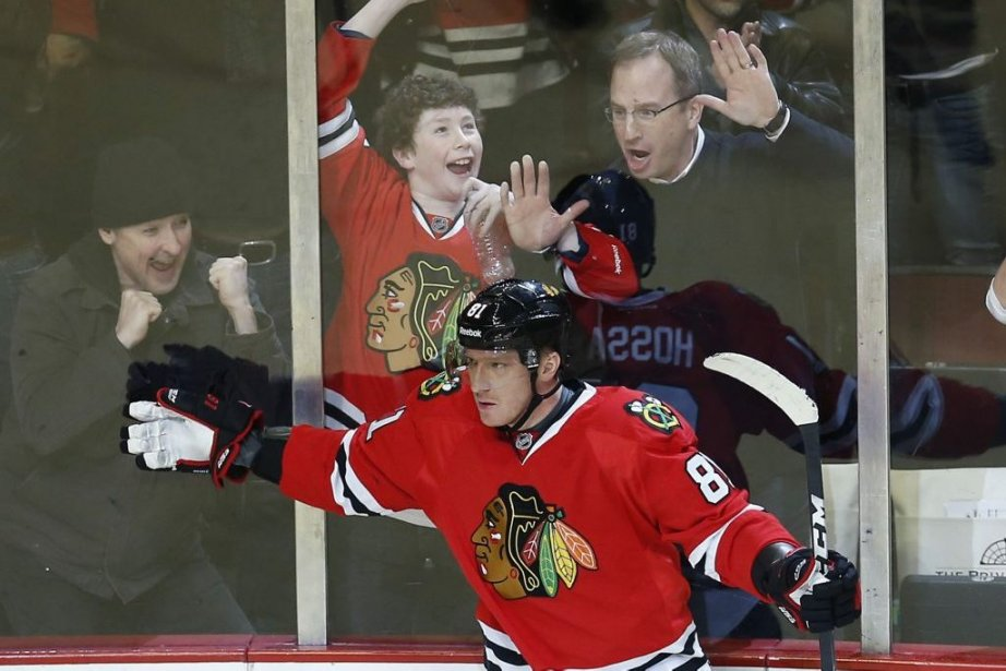 Marian Hossa disputait hier soir un 1000e match... (Photo Jim Young, Reuters)