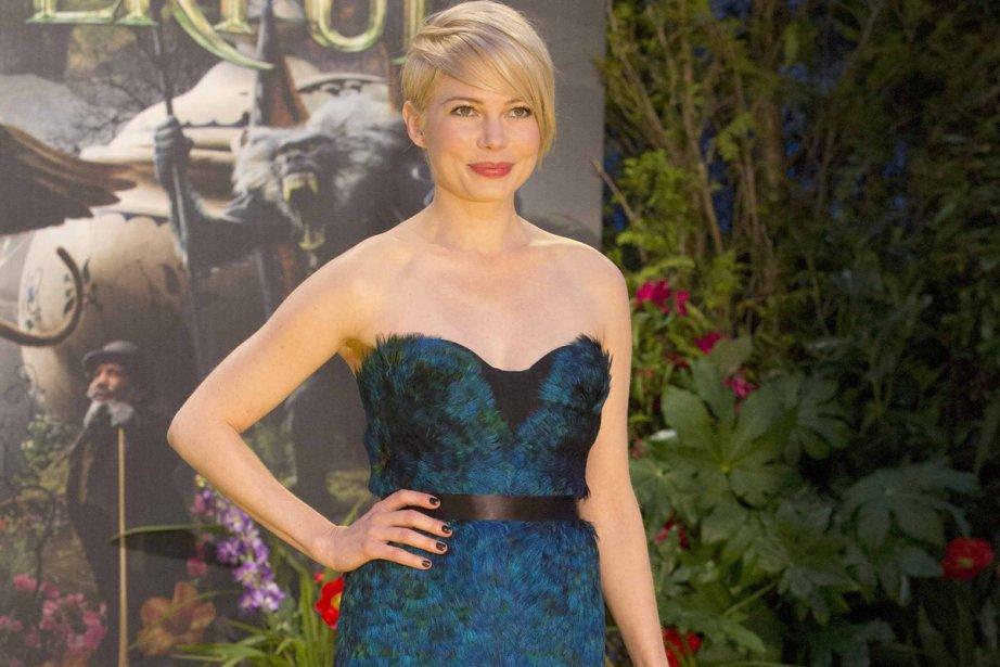 Très menue, chevelure blonde coupée très court, extrêmement... (Photo: Entertainment Society)