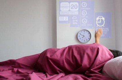 Un simple mouvement de la main suffit pour éteindre le réveil, consulter son...