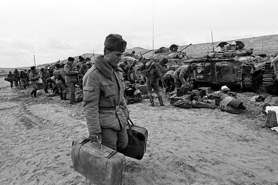 Sur cette photo prise en 1989, un soldat... (Photo Sergei Karpukhin, Reuters)