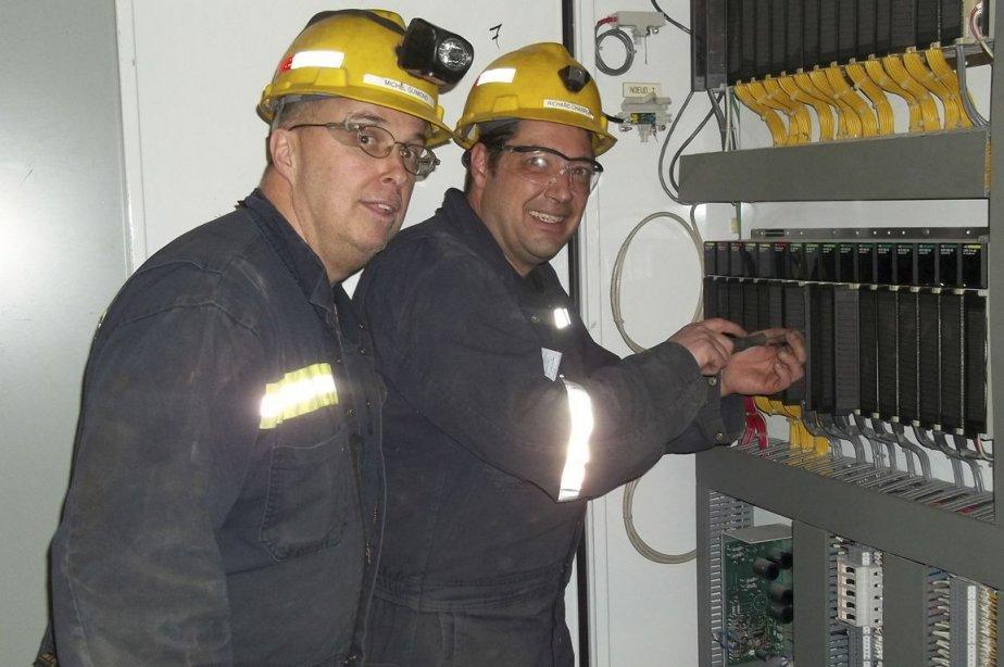 Richard Charron (à droite sur la photo).... (PHOTO FOURNIE PAR RICHARD CHARRON)