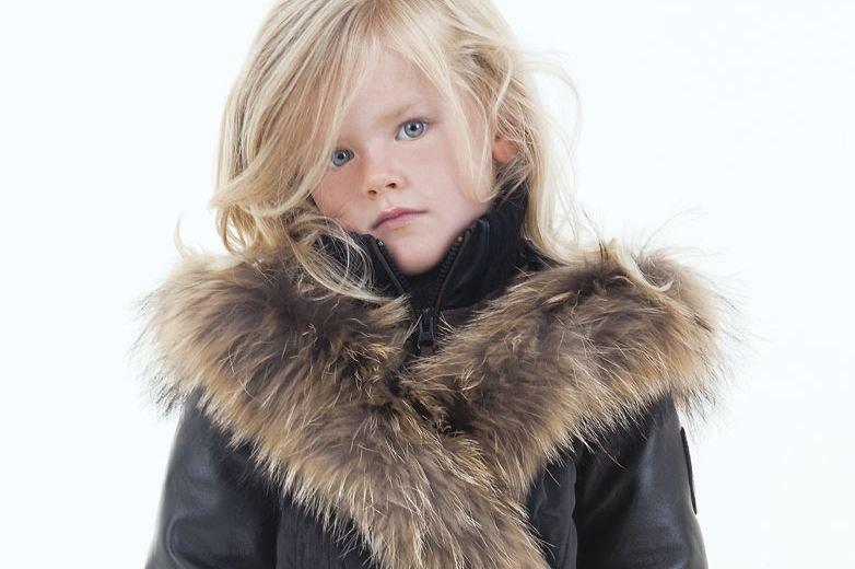 La mode enfantine est parfois déprimante. Surcharge de coloris vitaminés,...