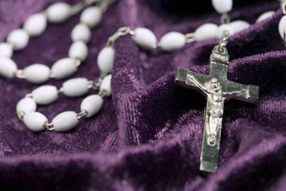 Le prêtre arrêté jeudi au presbytère de l'église... (Photo : archives La Presse)