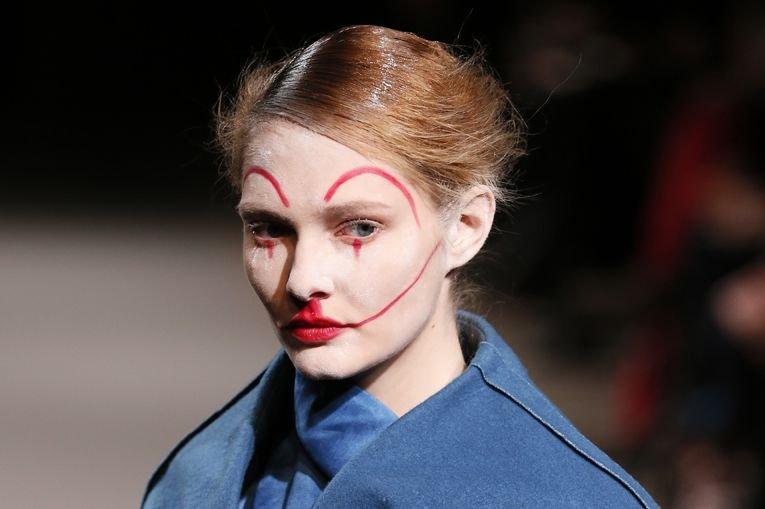 La semaine parisienne de la mode s'est terminée... (PHOTO PATRICK KOVARIK, AFP)