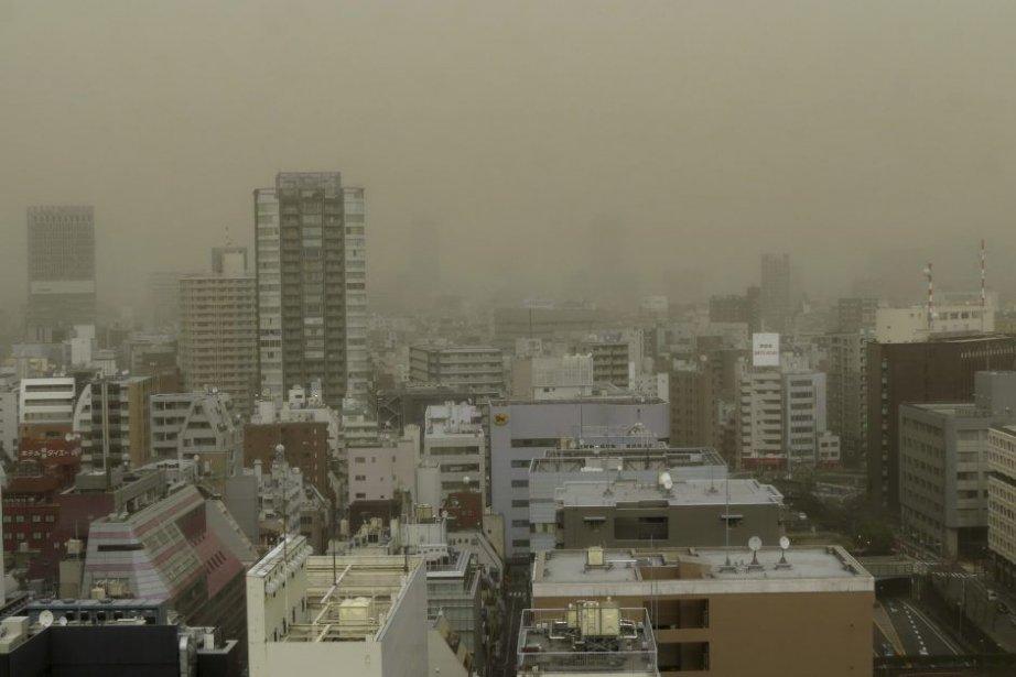 La tempête qui a recouvert rapidement Tokyo d'une... (Photo: AFP)