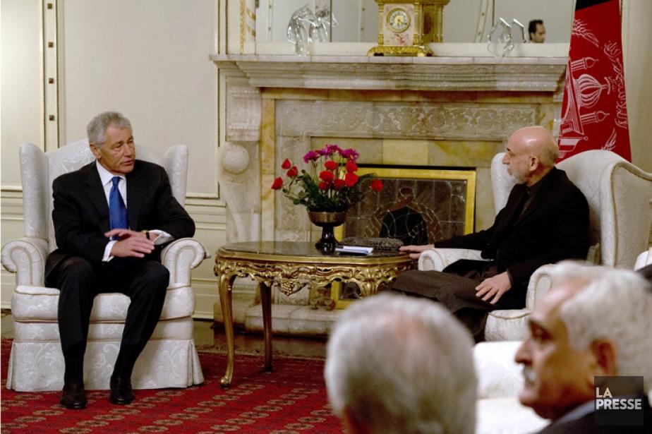 Chuck Hagel et Hamid Karzaï se sont entretenus... (Photo: AFP)
