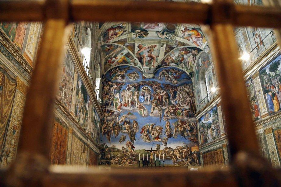 À l'intérieur de la chapelle Sixtine, le 9... (PHOTO STEFANO RELLANDINI, REUTERS)