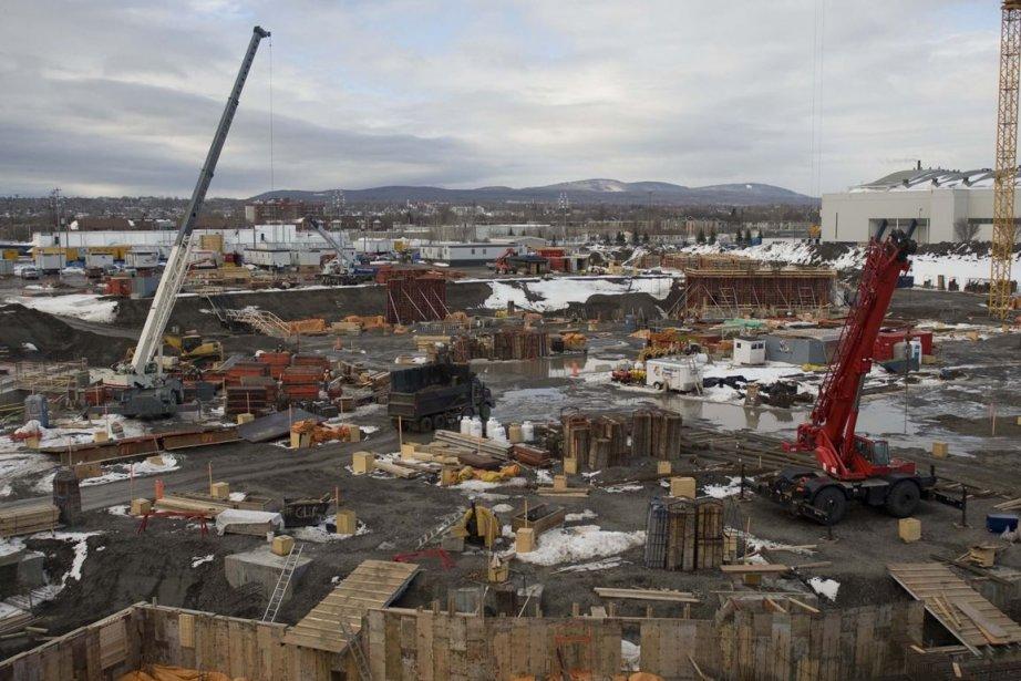 Le nouvel amphithéâtre de Québec commence à prendre... (PHOTO STEVE DESCHÊNES, LE SOLEIL)
