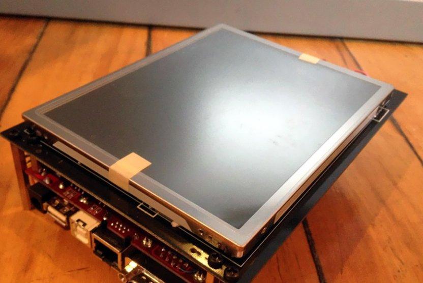 Voici de quoi avait l'air le iPhone avant de devenir le iPhone. Il avait deux...