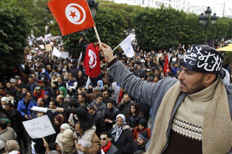 Des supporters du parti islamiste au pouvoirEnnahda ont... (Photo: Reuters)