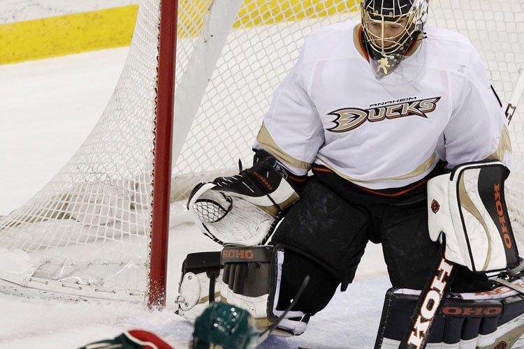 Luca Sbisa a couronné la remontée des Ducks d'Anaheim en marquant... (Photo: AP)