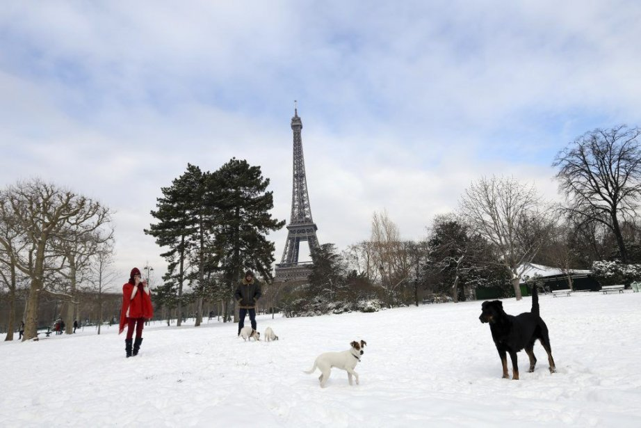 La région parisienne a reçu de 10 à... (PHOTO THOMAS SAMSON, AFP)