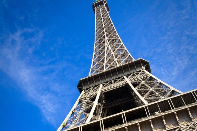 Plus de 5240 photos de la tour Eiffel... (Photo Peter Kirillov/shutterstock.com)