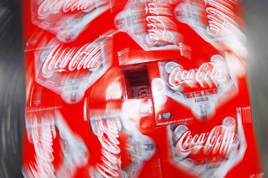 Coca-Cola reconnaît que ses usines d'embouteillage ont utilisé... (PHOTO GEORGE FREY, REUTERS)