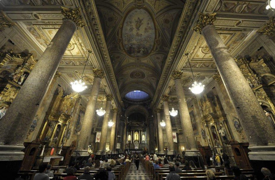 C'est à l'église San José que, dans un... (Photo JUAN MABROMATA, Reuters)