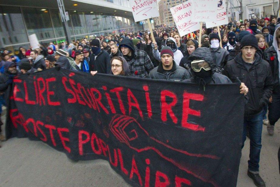 La manifestation contre la brutalité policière du printemps... (Photo André Pichette, archives La Presse)