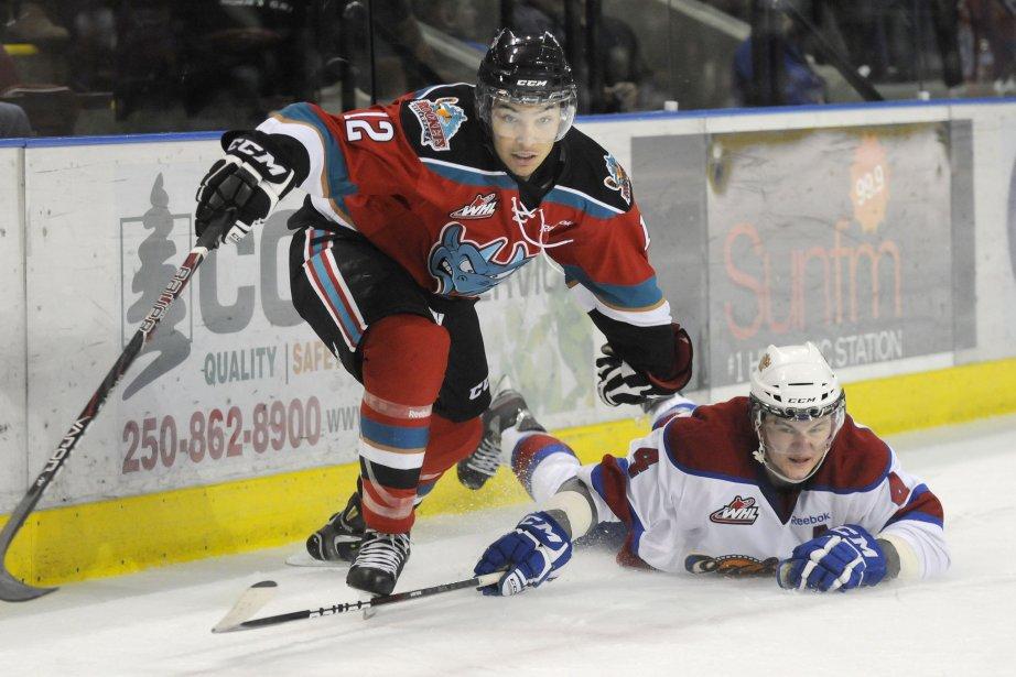 Keegan Lowe (à droite)... (Photo archives La Presse Canadienne)