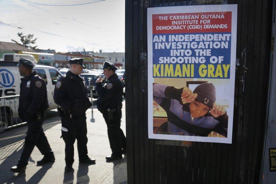 La mère d'un jeune Noir tué le week-end dernier par la police à... (Photo: AP)