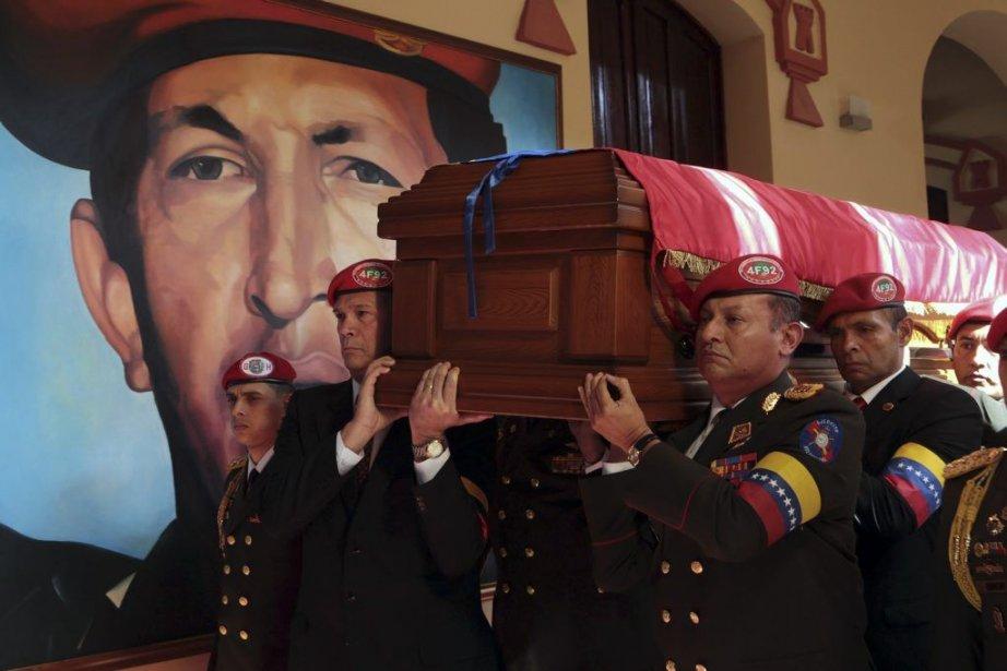 Hugo Chavez, président du Venezuela pendant 14 ans,est... (PHOTO MARCELO GARCIA, AFP)
