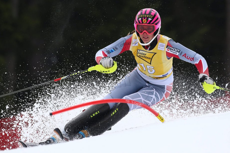 Les skis de Marie-Michèle Gagnon n'ont pas tenu... (Photo : Giovanni Auletta, AP)