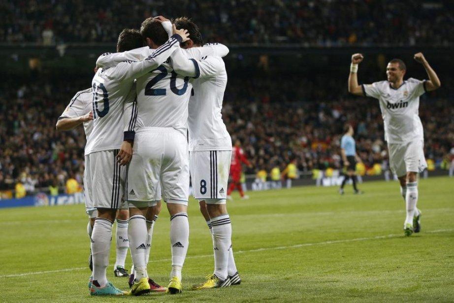 Le Real Madrid a redressé le tir samedi face à... (Photo Susana Vera, Reuters)