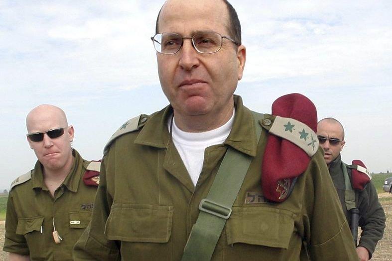 Âgé de 62 ans, Moshé Yaalon (ici en... (Photo RONEN ZVULUN, REUTERS)