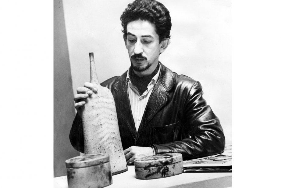 Le céramiste de renommée internationale Maurice Savoie, en... (Photo : Roger St-Jean)
