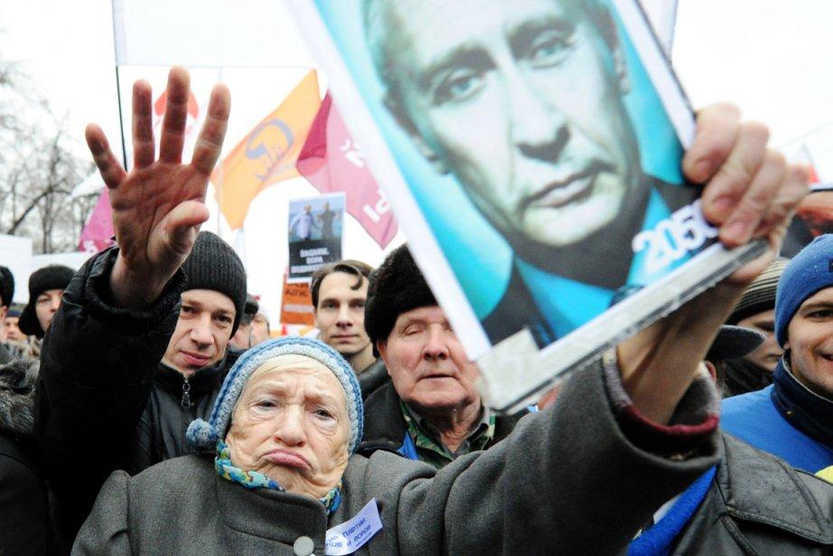 Une protestation d'une ampleur jamais vue depuis l'arrivée... (PHOTO YURI KADOBNOV, ARCHIVES AFP)