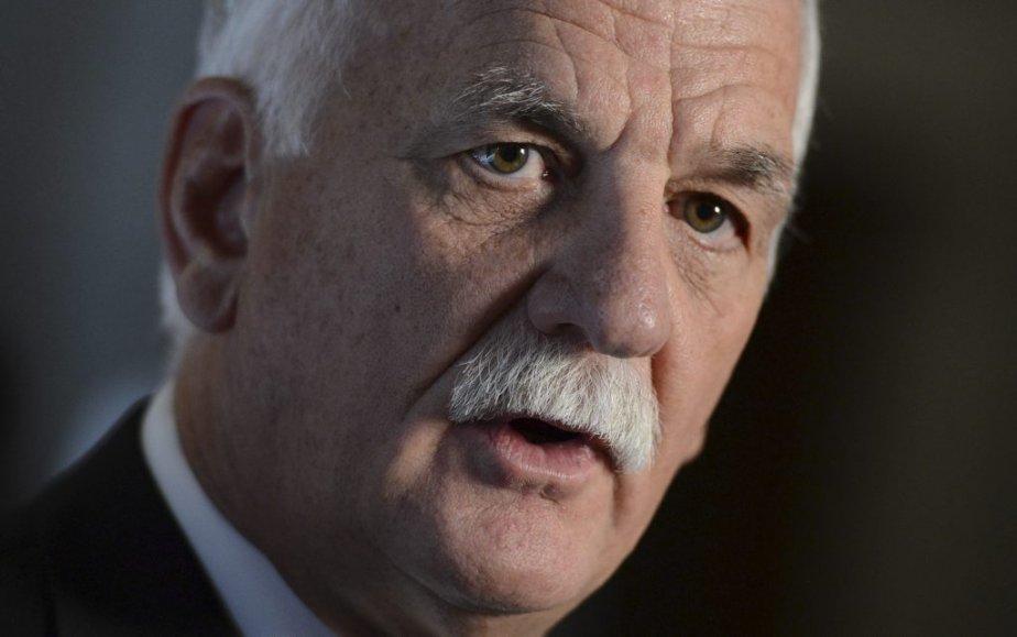 Le ministre de la Sécurité publique Vic Toews... (Photo Sean Kilpatrick, PC)