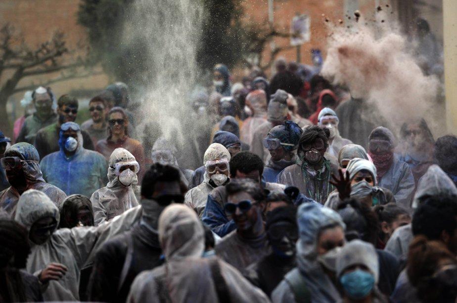 Les habitants de Galaxidi, à 250 km au sud-est d'Athènes en Grèce, prennent part à la Guerre des farines. | 19 mars 2013