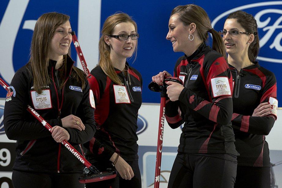 Le quatuor de l'équipe canadienne de curling féminin.... (Photo Andrew Vaughan, PC)