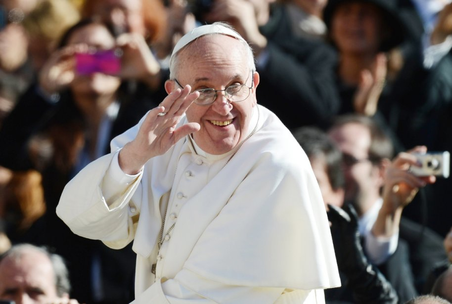 Le pape François a estimé que toutes les... (PHOTO FILIPPO MONTEFORTE, AFP)