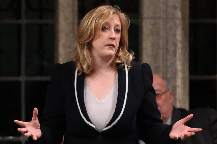 La ministre du Travail, Lisa Raitt, fait partie... (Photo: PC)