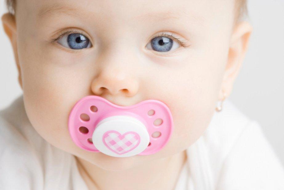 Téter est un réflexe naturel chez les bébés.... (PHOTO FOURNIE PAR PHOTOS.COM)