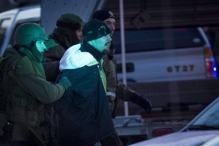 Arrestation de l'un des hommes évadés du centre... (PHOTO OLIVIER PONTBRIAND, LA PRESSE)