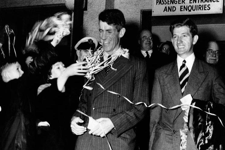 Photo prise en 1953 de Sir Edmund Hillary,... (Photo Associated Press)