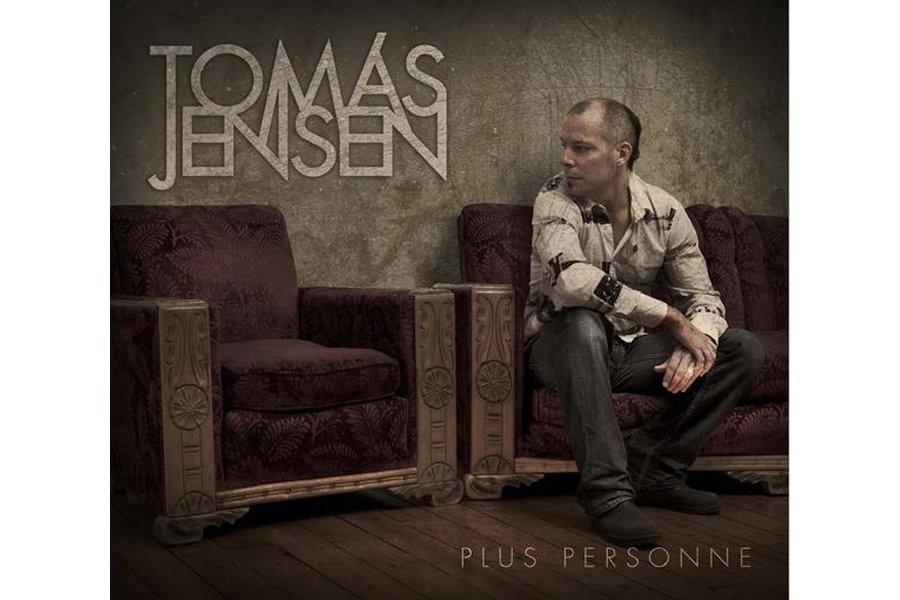 On a connu Tomas Jensen en chanteur engagé altermondialiste. Facile, à l'époque...