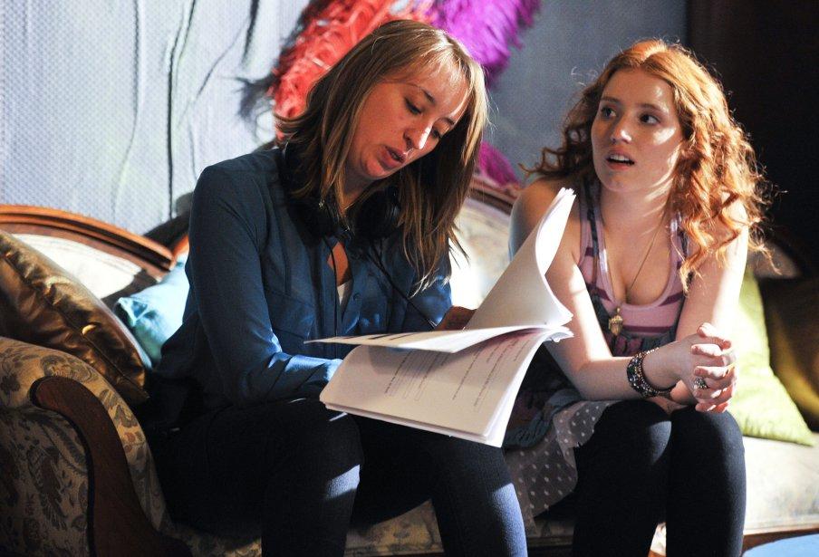 Marie-Josée Houle (scripte) et Gabrielle Fontaine (Magalie) sur le plateau de tournage de Motel Monstre | 22 mars 2013