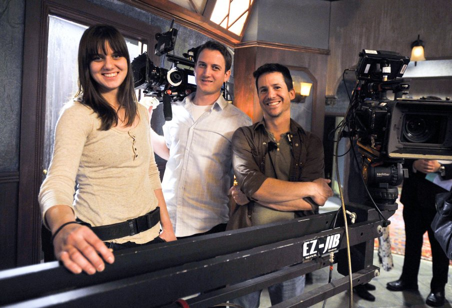 Sur le plateau de tournage de Motel Monstre, l'assistante à la caméra Stephanie Toonders, l'opérateur à la caméra Patrick Leduc et le directeur photo Gabriel Levesque | 22 mars 2013