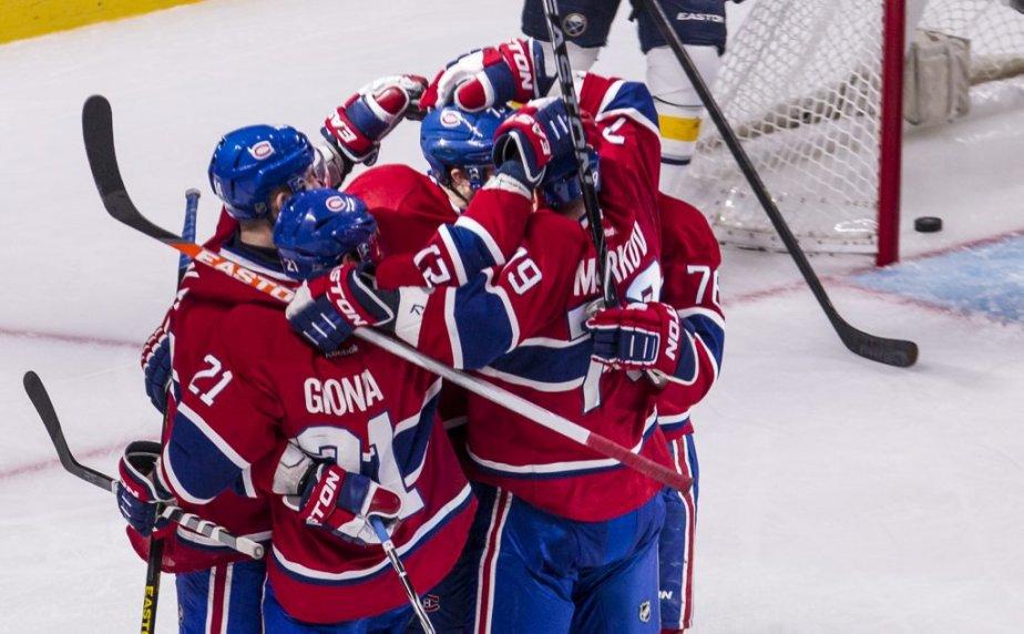 Les joueurs du Canadien célèbre le but de Michael Ryder.... | 2013-03-23 00:00:00.000