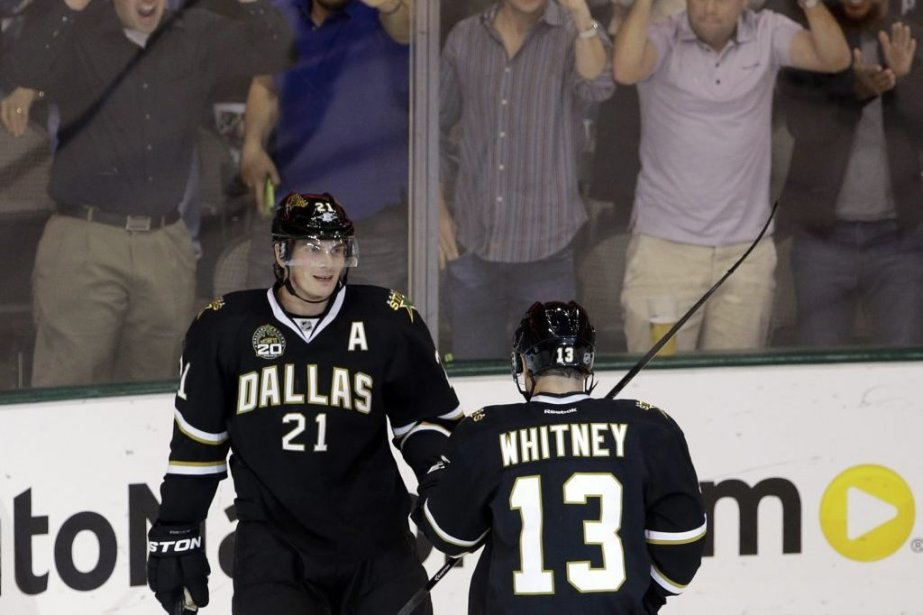 Loui Eriksson et Ray Whitney.... (Photo Tony Gutierrez, Associated Press)