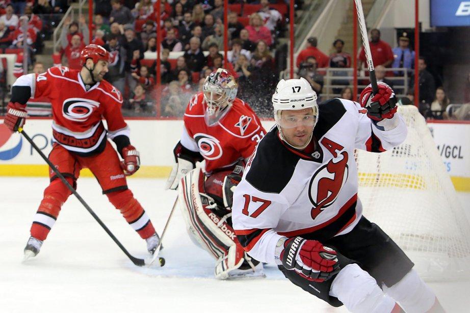 IlyaKovalchuks'est blessé en troisième période lors de la... (PHOTO TED RICHARDSON, AP)